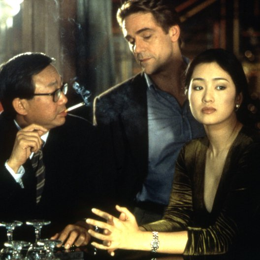 Chinese Box / Jeremy Irons / Gong Li Poster