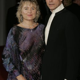 Filmfestspiele Venedig 2004 / Jeremy Irons mit Gattin / Merchant of Venice, The Poster