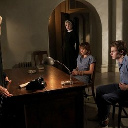 American Horror Story: Asylum / Jessica Lange / Lily Rabe / Evan Peters / Lizzie Brocheré Poster