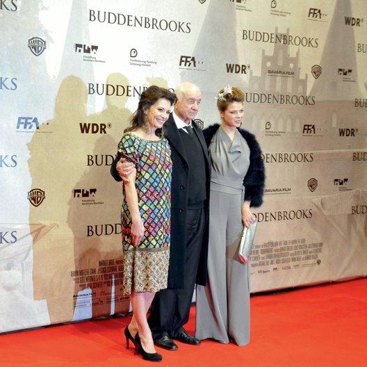 """Weltpremiere von """"Die Buddenbrooks"""" in der Lichtburg Essen / Iris Berben, Armin Mueller-Stahl und Jessica Schwarz Poster"""