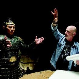 Rob Cohen mit Jet Li am Set Poster