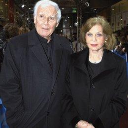 """Premiere - """"Tatsächlich...Liebe"""" / Joachim Fuchsberger mit Ehefrau Gundel Poster"""