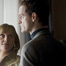 Weissensee (2. Staffel, 6 Folgen) (ARD) / Folge 7 Der verlorene Sohn / Ruth Reinecke / Jörg Hartmann Poster