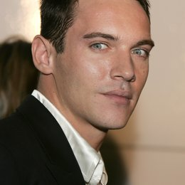 "Jonathan Rhys-Meyers / Premiere von ""Match Point"" Poster"