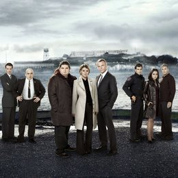 Alcatraz / Jason Butler Harner / Jonathan Coyne / Jorge Garcia / Sarah Jones / Sam Neill / Parminder Nagra / Robert Forster / Santiago Cabrera Poster