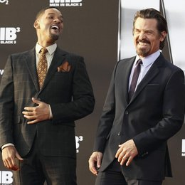 "3D-Deutschlandpremiere von ""Men in Black 3"" in der O2 World Berlin / Josh Brolin und Will Smith Poster"