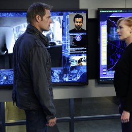 Intelligence / Marg Helgenberger / Josh Holloway Poster