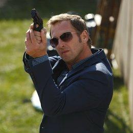 Detective Laura Diamond / Josh Lucas