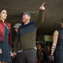 Avengers: Age of Ultron / Set / Elizabeth Olsen / Joss Whedon / Jeremy Renner Poster