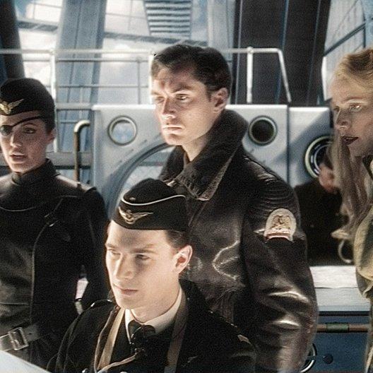 Sky Captain and the World of Tomorrow / Anglina Jolie / Jude Law / Gwyneth Paltrow