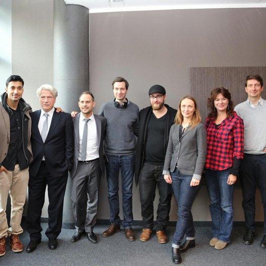Tobias Queisser, Amir Hamz, Jürgen Prochnow, Moritz Bleibtreu, Stephan Rick, Jan Krüger, Christina Bentlage, Stefanie Groß, Tobias Lehmann und Fabien Arséguel (v.l.) Poster