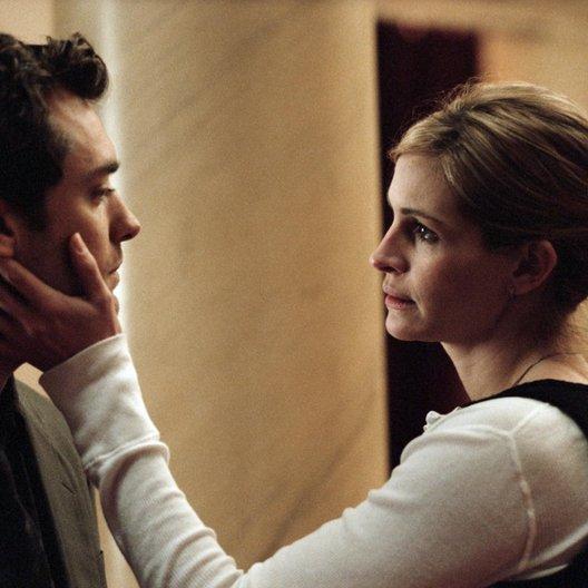 Hautnah / Jude Law / Julia Roberts Poster
