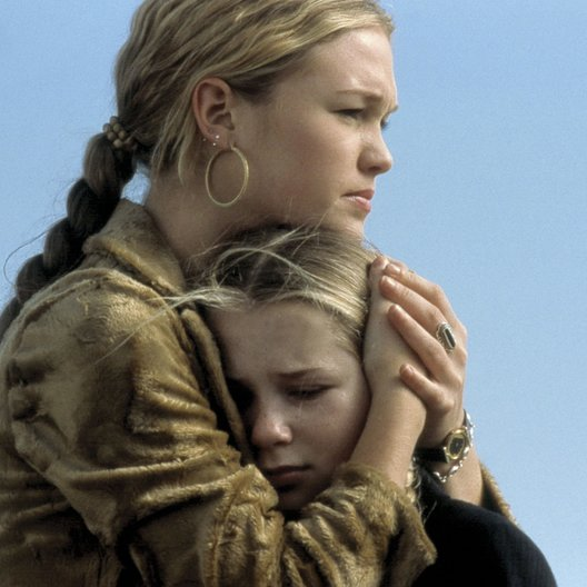 Carolina / Julia Stiles Poster