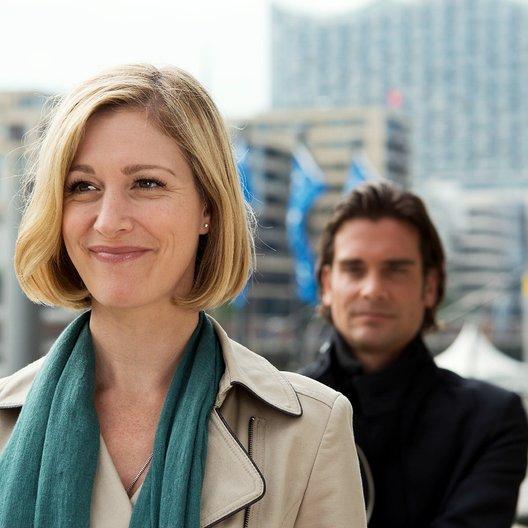 Dora Heldt: Unzertrennlich (ZDF) / Julia Stinshoff / Patrick Rapold