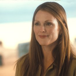 Evolution / Julianne Moore Poster