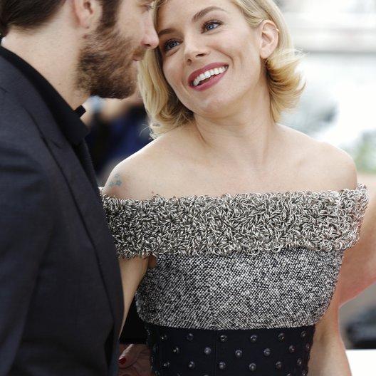 Gyllenhaal, Jake / Miller, Sienna / 68. Internationale Filmfestspiele von Cannes 2015 / Festival de Cannes Poster