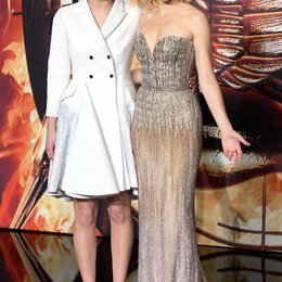 Die Tribute von Panem - Catching Fire / Filmpremiere / / Jennifer Lawrence / Elizabeth Banks Poster