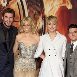Die Tribute von Panem - Catching Fire / Filmpremiere / Liam Hemsworth / Elizabeth Banks / Jennifer Lawrence / Josh Hutcherson Poster