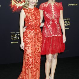 "Elizabeth Banks / Jennifer Lawrence / Filmpremiere ""Die Tribute von Panem - Hunger Games"" Poster"