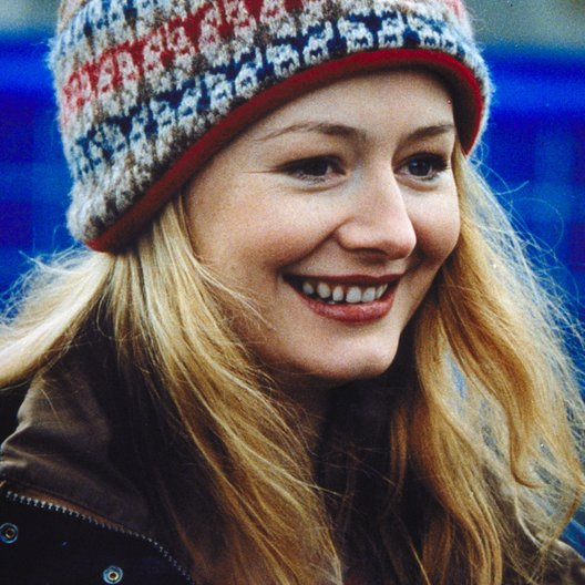 image Miranda otto the healer aka julie walking home 04