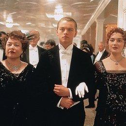 Titanic / Kathy Bates / Leonardo DiCaprio / Kate Winslet Poster