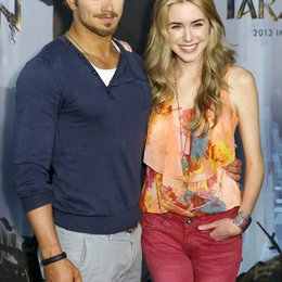 "Kellan Lutz / Spencer Locke / Filmpremiere ""Tarzan 3D"" Photocall Poster"