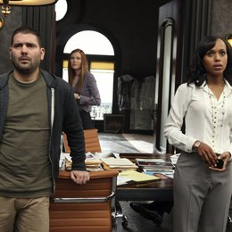Scandal / Kerry Washington / Darby Stanchfield / Guillermo Diaz Poster