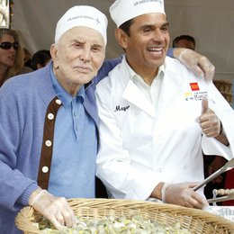 Kirk Douglas / Antonio Villaraigosa / Charity Thanksgiving in Los Angeles 2011 Poster