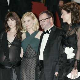 Charlotte Gainsbourgh / Kirsten Dunst / Lars von Trier / Bente Froge / 64. Filmfestspiele Cannes 2011 Poster