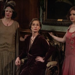 Easy Virtue - Eine unmoralische Ehefrau / Easy Virtue / Katherin Parkinson / Kristin Scott Thomas / Kimberley Nixon