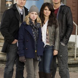 Life Unexpected / Shiri Appleby / Kerr Smith / Kristoffer Polaha / Brittany Robertson Poster