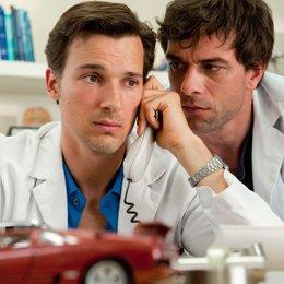 Doctor's Diary - Männer sind die beste Medizin: Skandal! Hochzeitsnacht zu dritt (RTL / ORF) / Florian David Fitz / Kai Schumann Poster