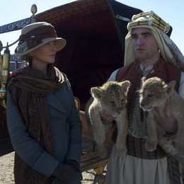 queen-of-the-desert-nicole-kidman-robert-pattinson-19 Poster