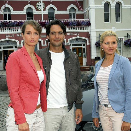 Kreuzfahrt ins Glück: Hochzeitsreise nach Jersey (ZDF) / Jessica Boehrs / Robert Seeliger / Lara Joy Körner