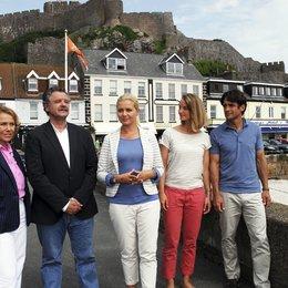 Kreuzfahrt ins Glück: Hochzeitsreise nach Jersey (ZDF) / Gaby Dohm / Jessica Boehrs / Gunter Berger / Robert Seeliger / Lara Joy Körner