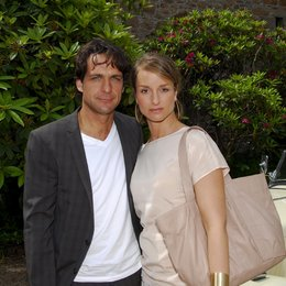 Kreuzfahrt ins Glück: Hochzeitsreise nach Jersey (ZDF) / Robert Seeliger / Lara Joy Körner