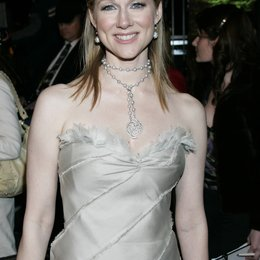 Vanity Fair Oscar Party 2005 / Oscar 2005 / Laura Linney Poster