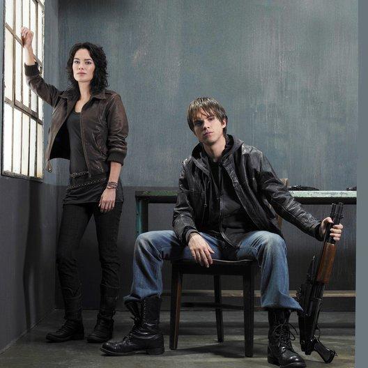Terminator: S.C.C. (01. Staffel, 9 Folgen) / Lena Headey / Thomas Dekker Poster