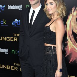 "Liam Hemsworth / Miley Cyrus / Filmpremiere ""Die Tribute von Panem - Hunger Games"" Poster"