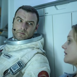 Last Days on Mars / Liev Schreiber / Romola Garai Poster