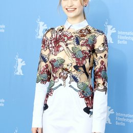 Lily James / Internationale Filmfestspiele Berlin 2015 / Berlinale 2015 Poster