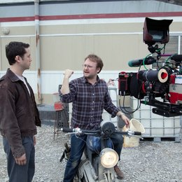 Looper / Set / Joseph Gordon-Levitt / Rian Johnson