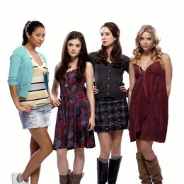 Pretty Little Liars / Pretty Little Liars (01. Staffel, 22 Folgen) / Shay Mitchell / Lucy Hale / Troian Avery Bellisario / Ashley Benson Poster