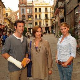 Kreuzfahrt ins Glück: Hochzeitsreise nach Sevilla (ZDF / ORF) / Luise Bähr / Jan Hartmann / Sabine Bach Poster