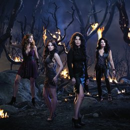 Witches of East End / Mädchen Amick / Rachel Boston / Julia Ormond / Jenna Dewan-Tatum Poster