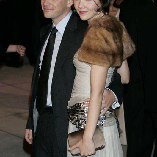 Vanity Fair Oscar Party 2005 / Oscar 2005 / Peter Sarsgaard und Maggie Gyllenhaal Poster