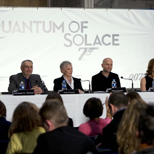 James Bond 007: Ein Quantum Trost / James Bond 007: Quantum of Solace / Pressekonferenz / Olga Kurylenko / Daniel Craig / Gemma Arterton Poster