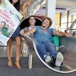 """Kinotour durch Bayern anlässlich des Starts von """"Wer's glaubt, wird selig"""" im Cinemaxx Würzburg / Marcus H. Rosenmüller mit Susanne Hildebrandt Poster"""