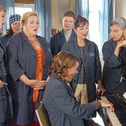Immer Wirbel um Marie (ARD) / Tatjana Alexander (l.) / Marianne Sägebrecht (2.v.l.) / Julia Schmidt (sitzend) / Sarah Alles (2.v.r.) / Eva Hassmann (r.)