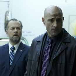 Low Winter Sun / Mark Strong / David Costabile